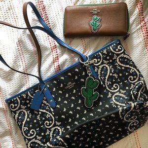 COACH Bandana Tote & Keychain & Cactus Wallet SET
